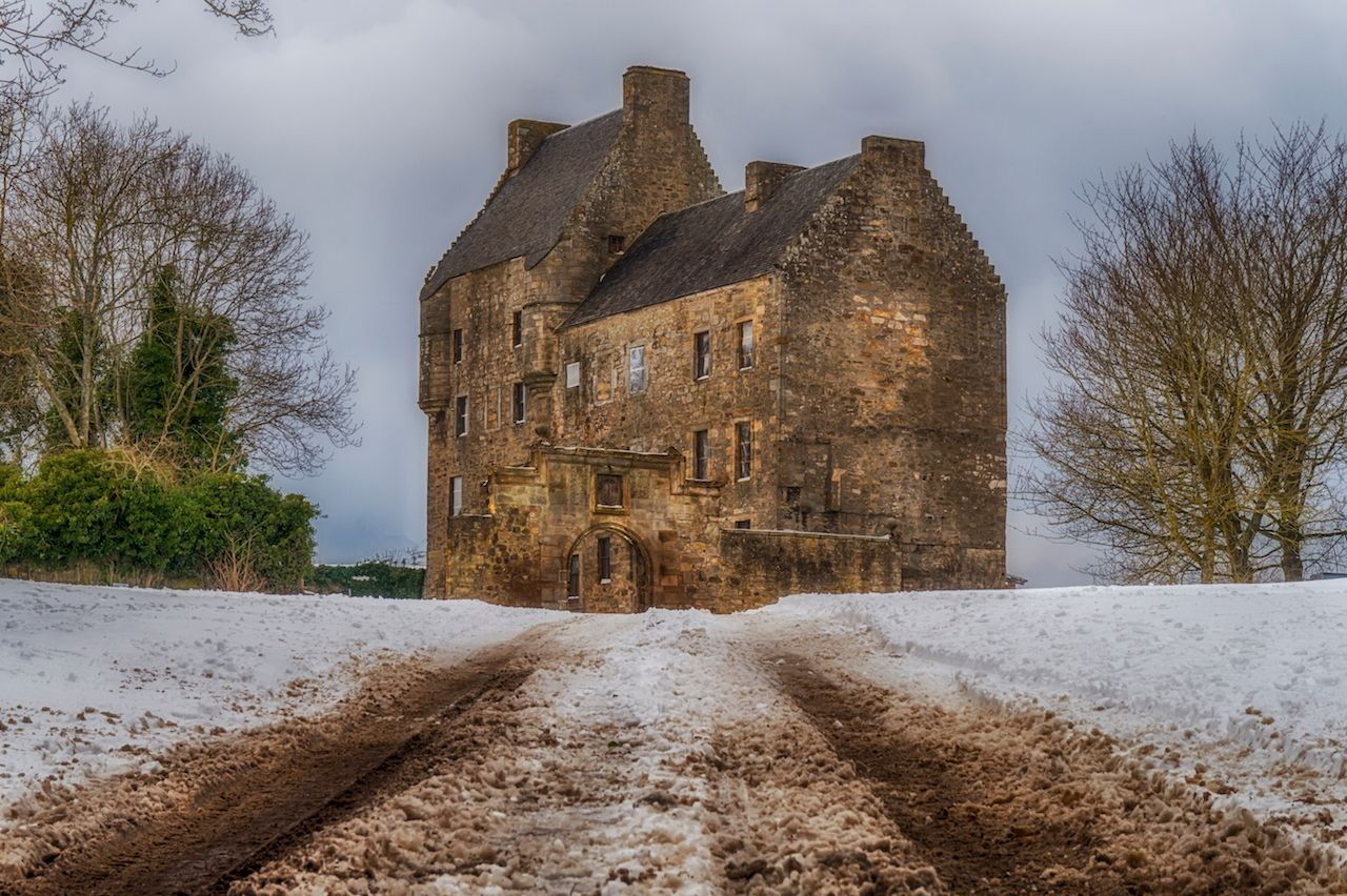 This is Midhope Castle, West Lothian, better known as Outlander's Lallybroch